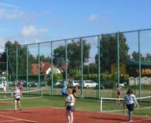 obóz sportowy z tenisem
